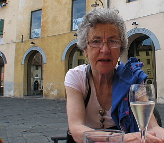 sipping prosecco in Lucca